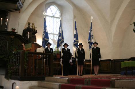 Naiskodukaitse Tallinna ringkond tähistab 80. aastapäeva lipu õnnistamisega