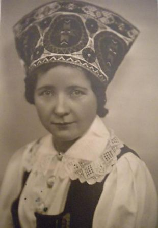 Tallinna ringkonna liikmed mälestavad pr Meeta Pennerit (1905-2011)