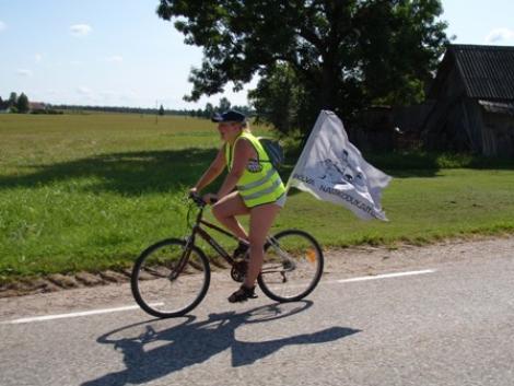 Põlva naised käisid kodutütardega rattamatkal