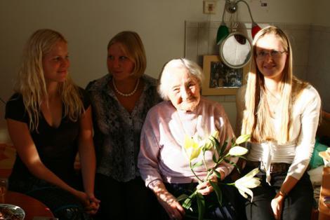 Jõulutervitused 104. aastaselt naiskodukaitsjalt