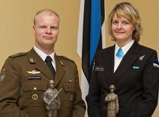 Pühapäeval kuulutatakse välja aasta 2013 naiskodukaitsja ja kaitseliitlane