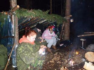 Veebruari lõpus toimus Naiskodukaitse ja Kodutütarde üleelamislaager.
