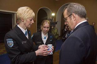 Taas saab sinilillega veterane tunnustada