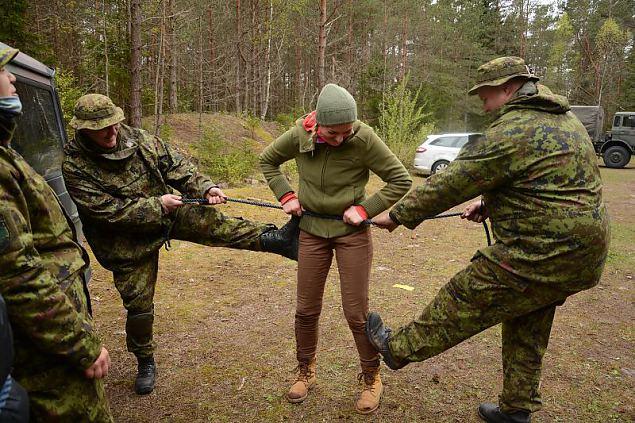 """""""Vägev oli!"""" ehk Baasväljaõpe Saaremaa ringkonnas esimesel poolaastal"""