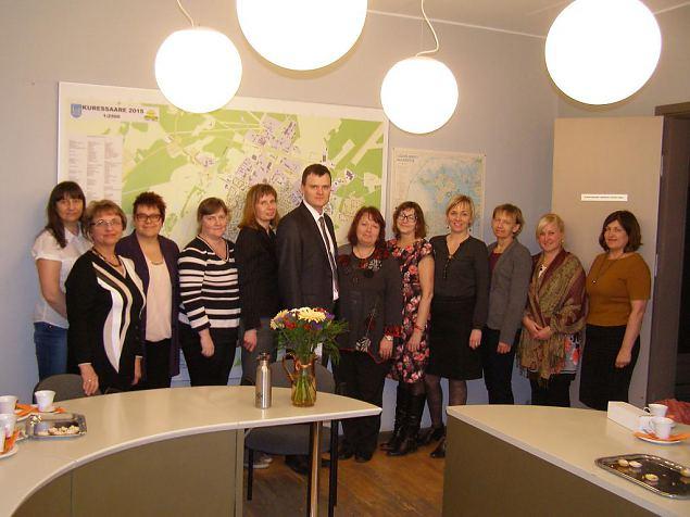 Akadeemilise jaoskonna naised kohtusid Kuressaare linnapea Madis Kallasega