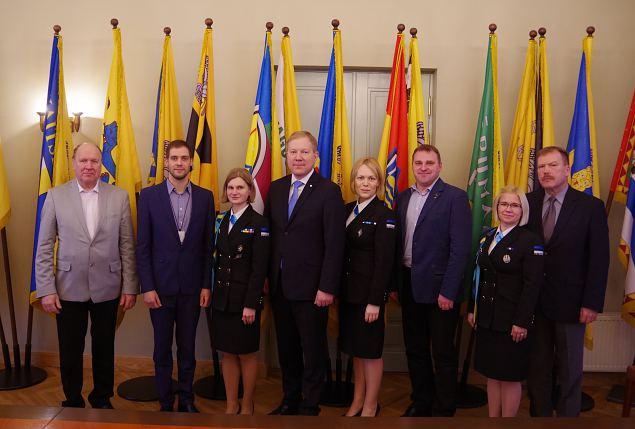 Naiskodukaitse kohtus Riigikogu riigikaitsekomisjoniga