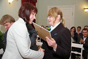 Järvamaa kodanikeühenduste konverentsil tunnustati Järva naiskodukaitsjaid hea algatuse eest