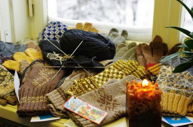 Naiskodukaitsjad annavad üle jõulukingitused Afganistanis teenivatele Eesti sõduritele