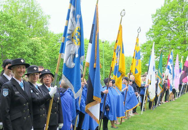 Naiskodukaitse liputoimkond 4. juunil Toompeal