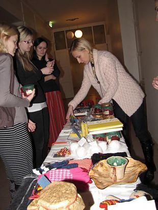Naiskodukaitsjad korraldasid heategevusmüügi