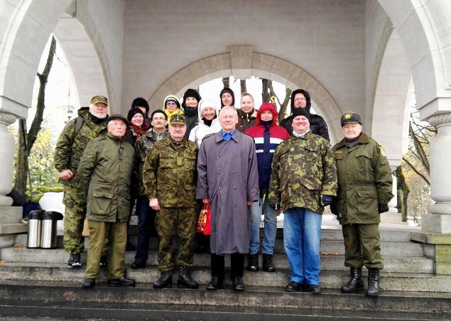 Mälestushetked Kaitseväe kalmistul