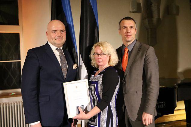Anneli Mikiver pälvis kodanikupäeva aumärgi