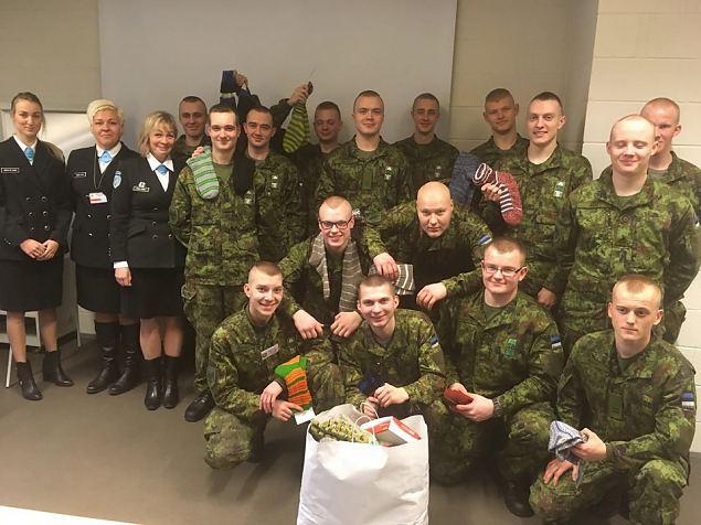 150 sokipaari jõudsid Saaremaalt pärit ajateenijateni