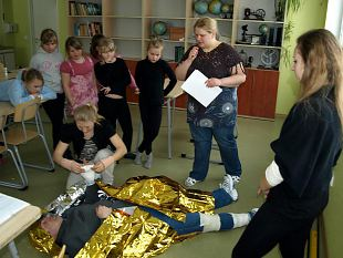 Naiskodukaitse ja Kodutütarde talvelaager Pala Koolis