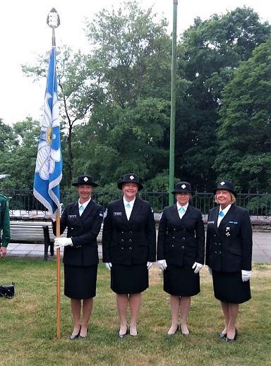Naiskodukaitse liputoimkond Toompeal – Eesti lipp 134