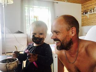 Parimaid kaadreid papsist ja lapsest püüab Liis Niinemets