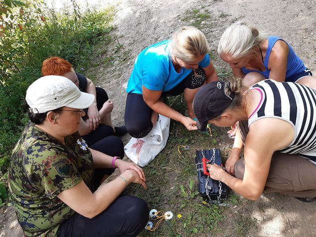 Märjamaa naiste metsalaager juulikuumuses