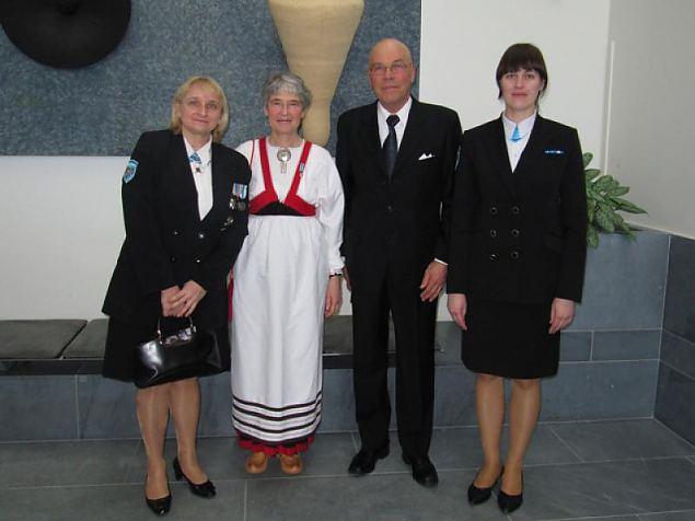 Naiskodukaitsjad külastasid lottasid nende 90ndal juubelil