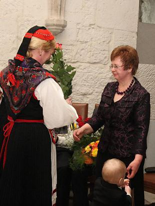 Naiskodukaitse Saaremaa ringkond ootab taas aasta ema kandidaate