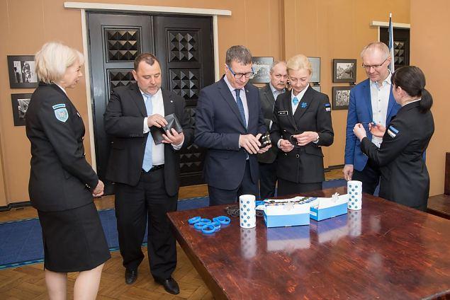 Sinilillekampaania algus Riigikogus. Foto: Erik Peinar
