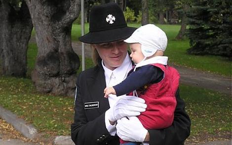 Naiskodukaitse Saaremaa ringkond valib aasta ema