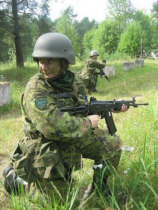 Loll jutt, et naine sõduriks ei sobi